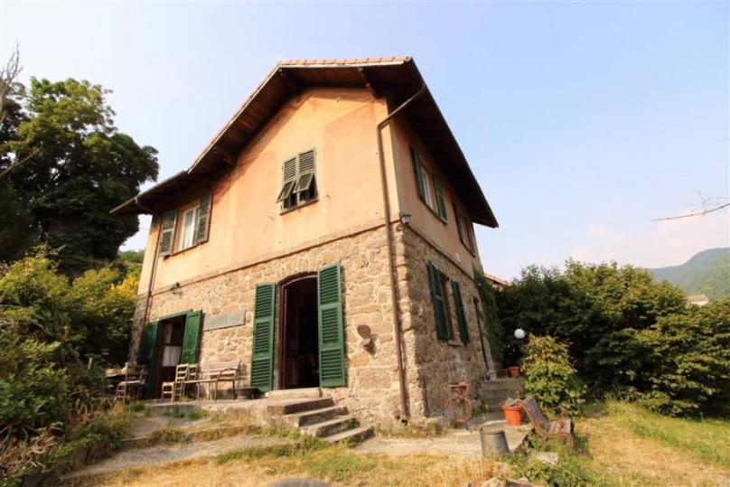 Villa D'epoca con giardino